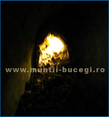 Aliens in Time Tunnel in Bucegi
